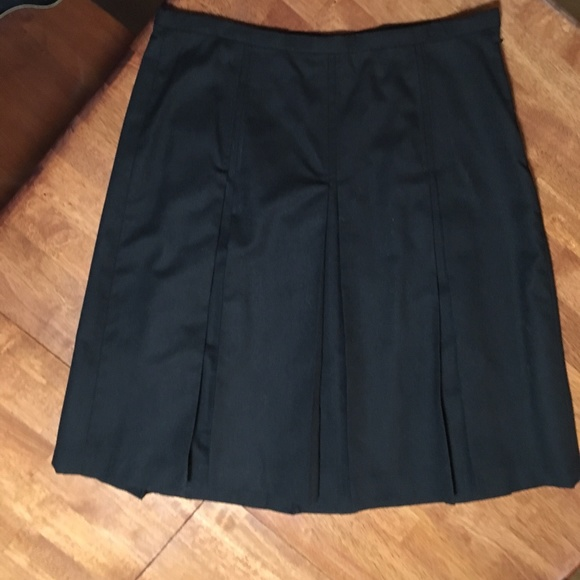 Rafaella Dresses & Skirts - Rafaella Wool Box-Pleat Skirt, size 12